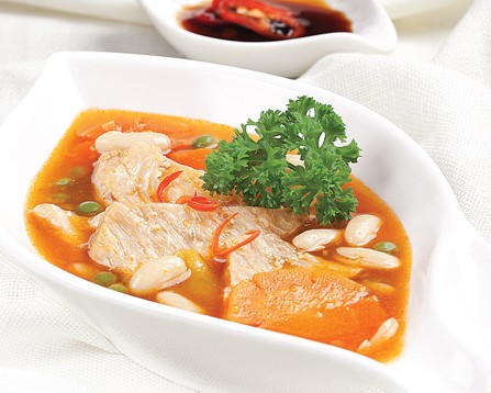 Món chay : Sườn chay nấu đậu .