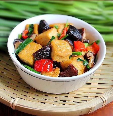 dau phu xao rau cu 1 Món chay đậu phụ xào rau củ thơm ngon, bổ dưỡng