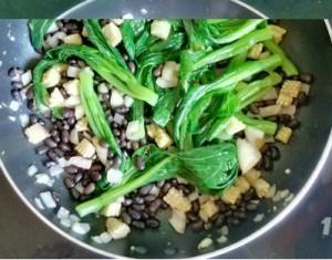 cai ngon xao dau den 300x235 Cách làm món chay cải ngồng xào đậu đen đơn giản