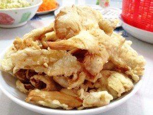 nam bao ngu chien gion 300x225 Hướng dẫn cách làm các món chay ngon đơn giản từ bào ngư